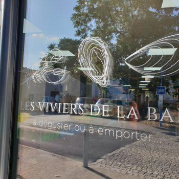 Enseigne et façade, façade les viviers de la baie, stickers de crustacés