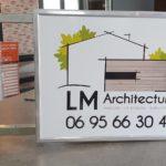 enseigne drapeau LM Architecture Vendee vous
